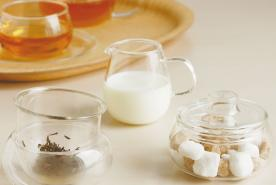 Milk Jugs & Bowls